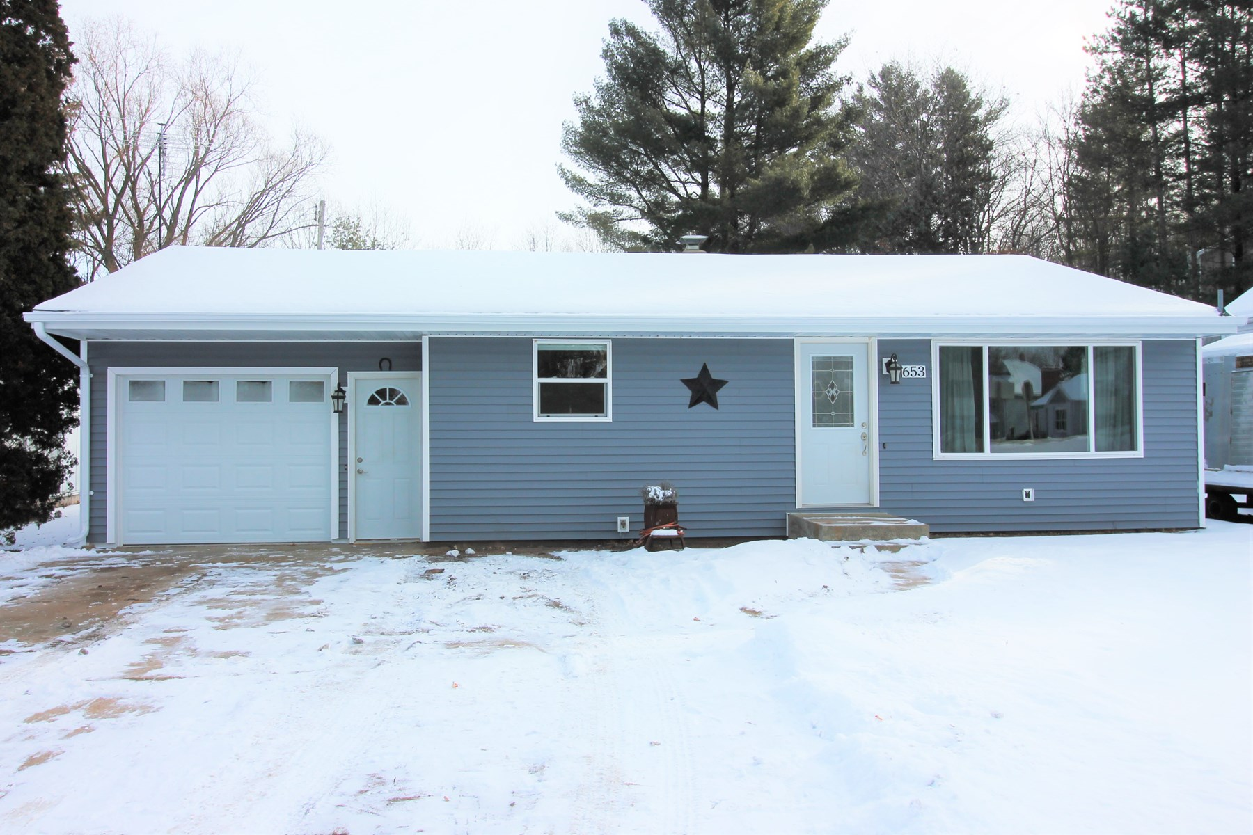 Ranch Home in City of Manawa WI For Sale