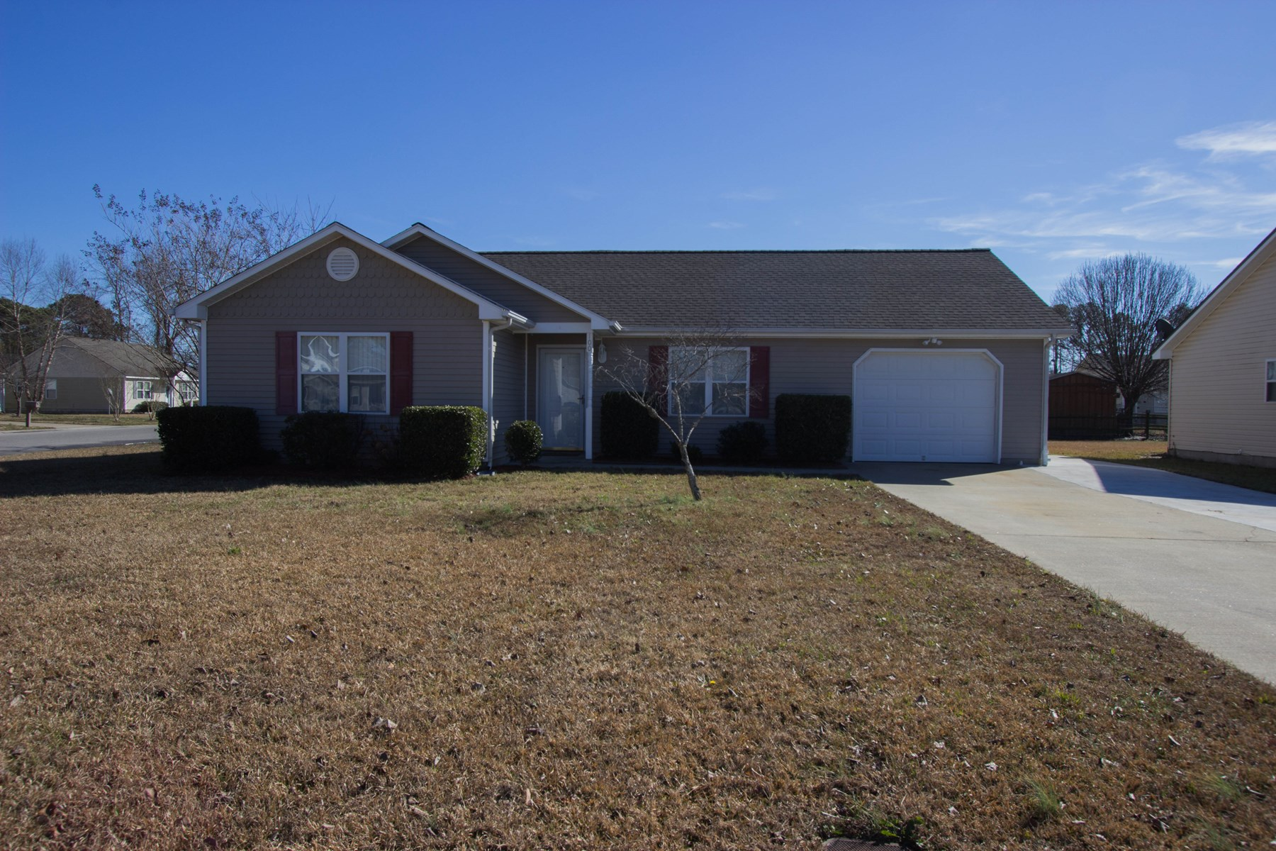 Ranch home near the Coast Guard Base, large lot and upgraded
