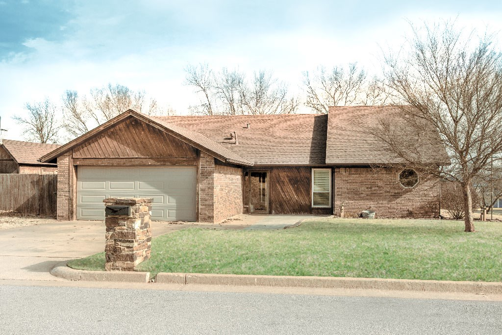Clinton, OK House for Sale, Custer County, 3 Bed