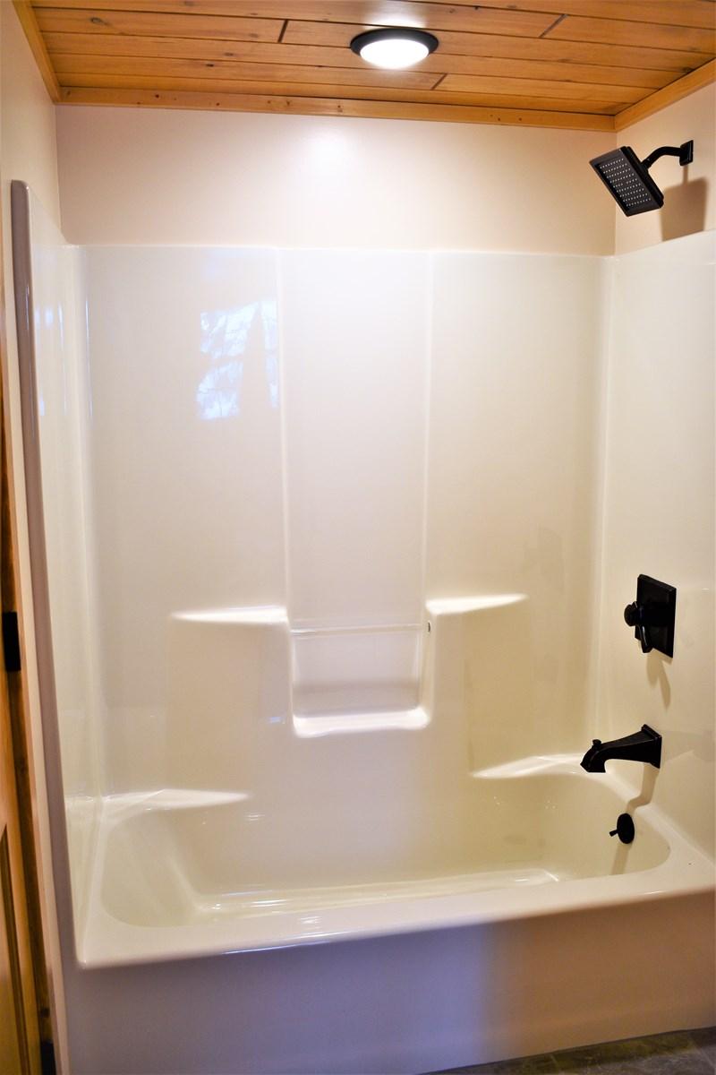 2nd Bath Tub/Shower w/Delta Fixtures