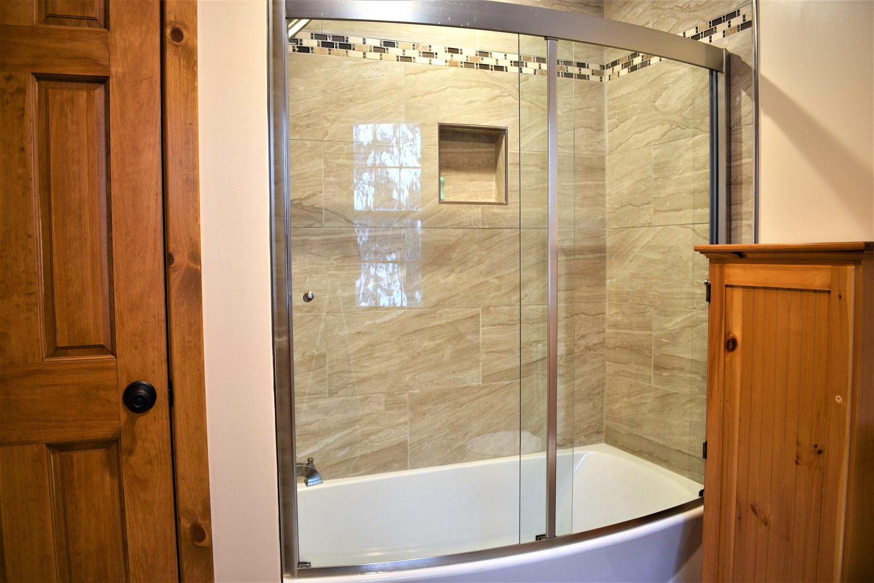 Mastter Shower/Tub combo