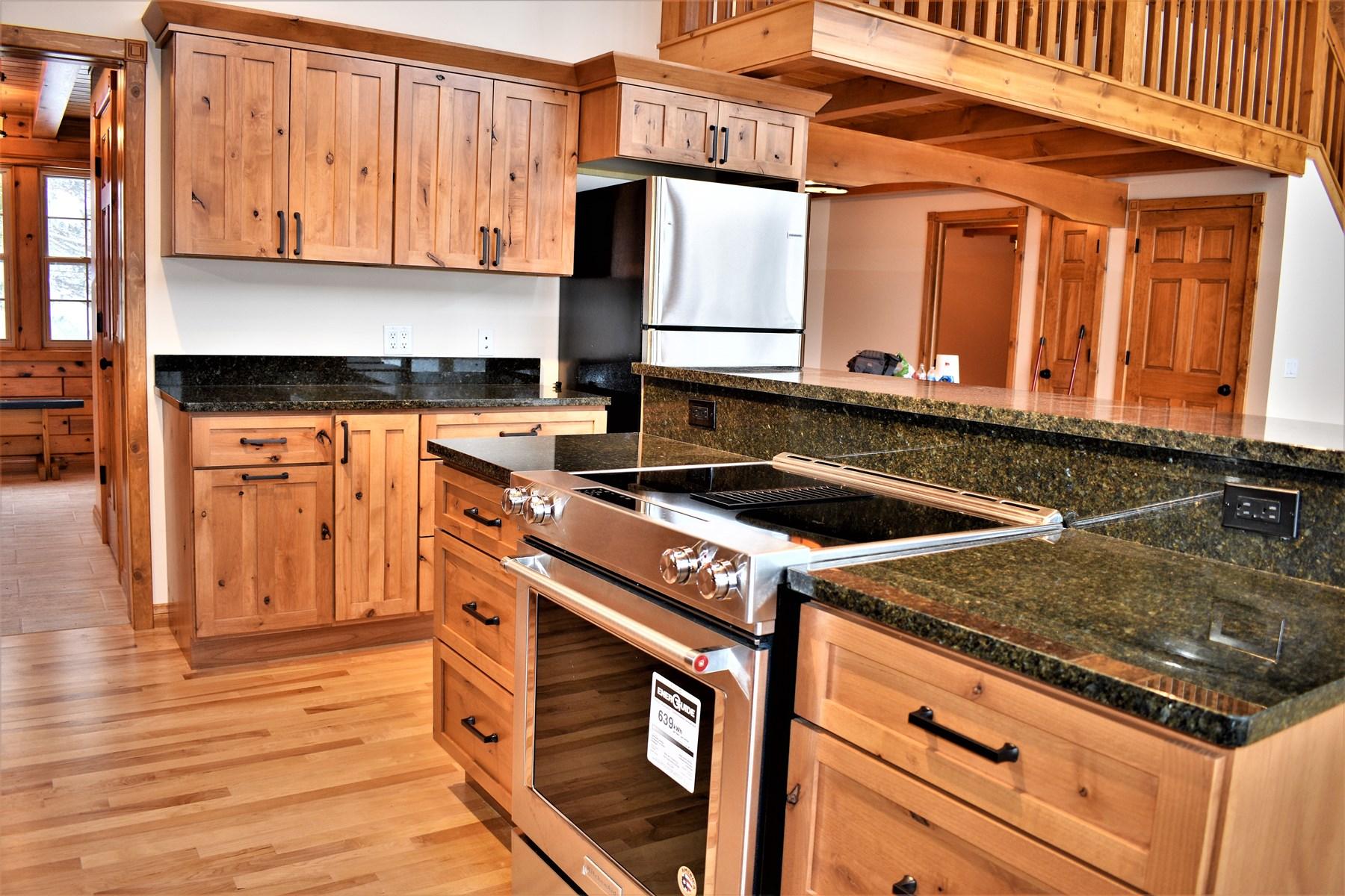 Kitchen Island w/Granite Countertop