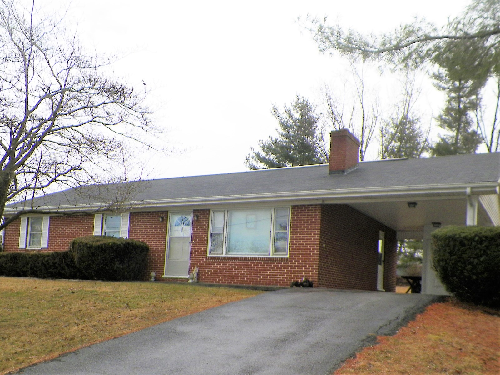 BRICK RANCH IN WYTHEVILLE, VA