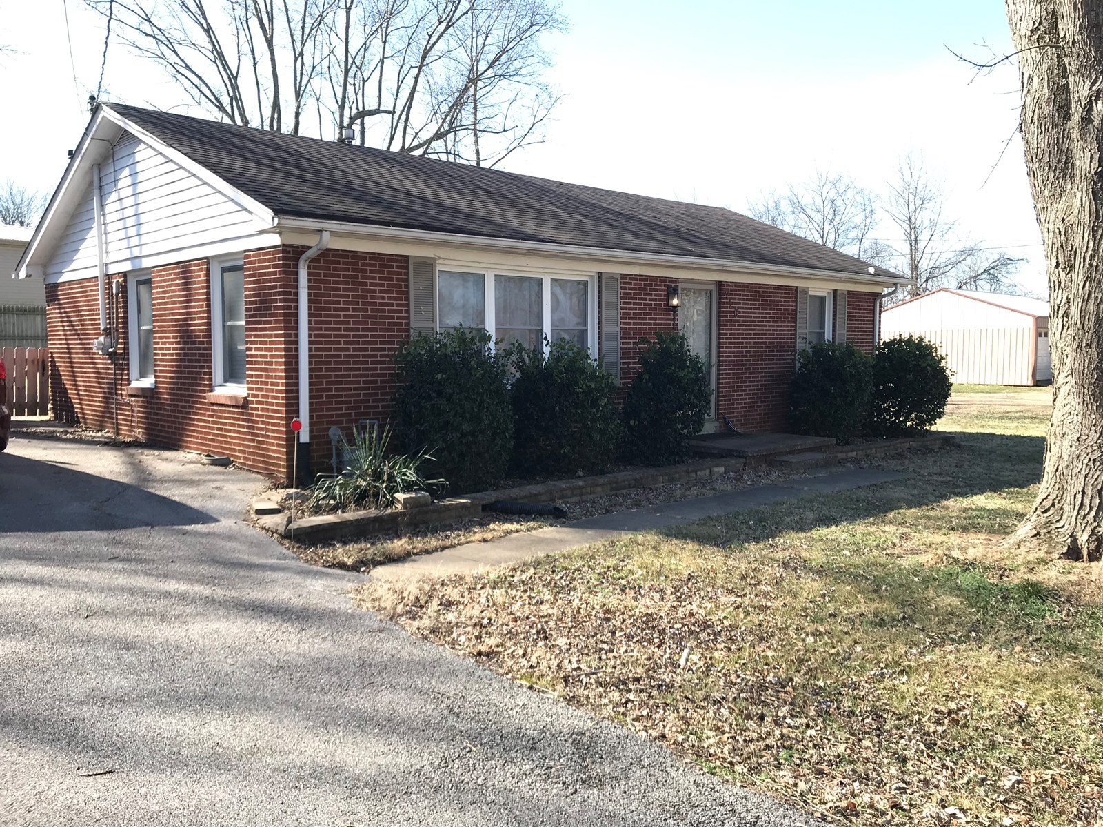 Nice 3 bedroom brick home for sale in Franklin, Ky.