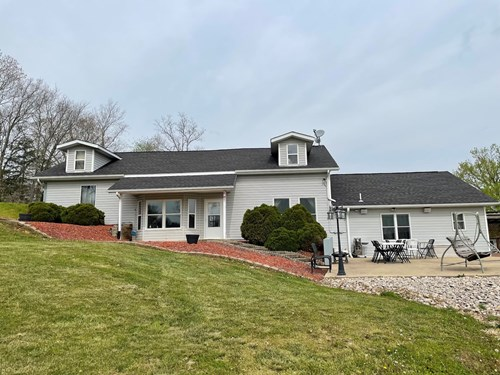 EMINENCE, MO COUNTRY HOME-5 BEDROOMS/3 BATHS & 6 ACRES +/-