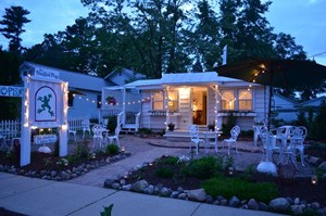 RESTARUANT FOR SALE IN THE HEART OF KING - WAUPACA, WI
