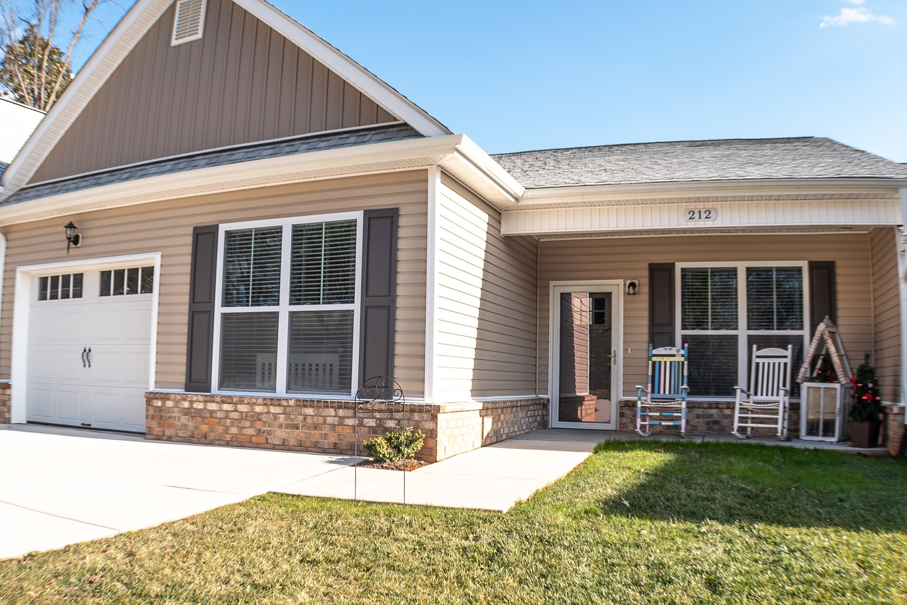 Town Home for sale in Pilot Mountain