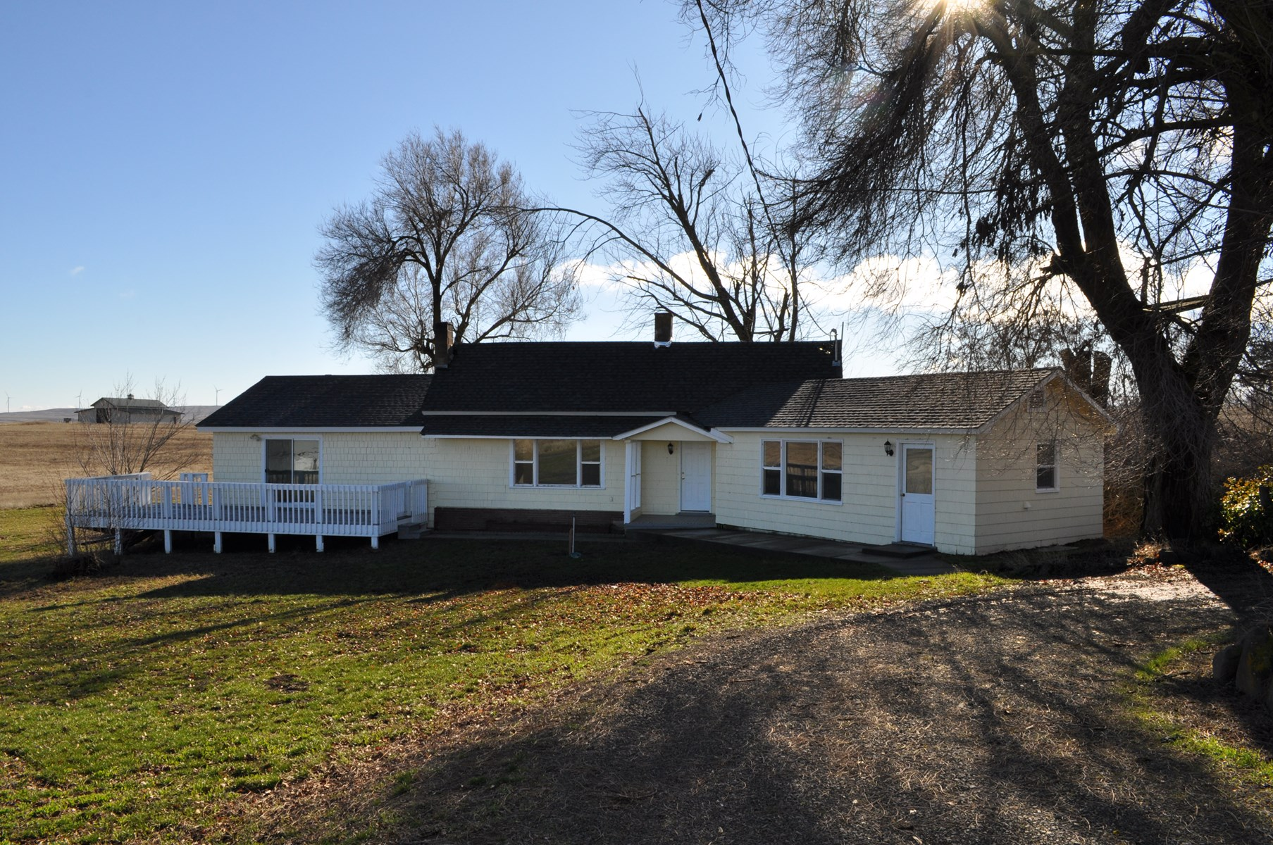 Single level ranch with Acreage in Goldendale WA