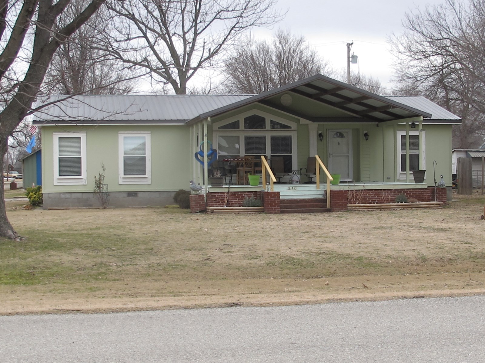 DELIGHTFUL and COZY Double Wide Modular Home in Afton, OK.