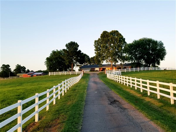 HILLTOP RANCH HOME – 25.91 ACRES