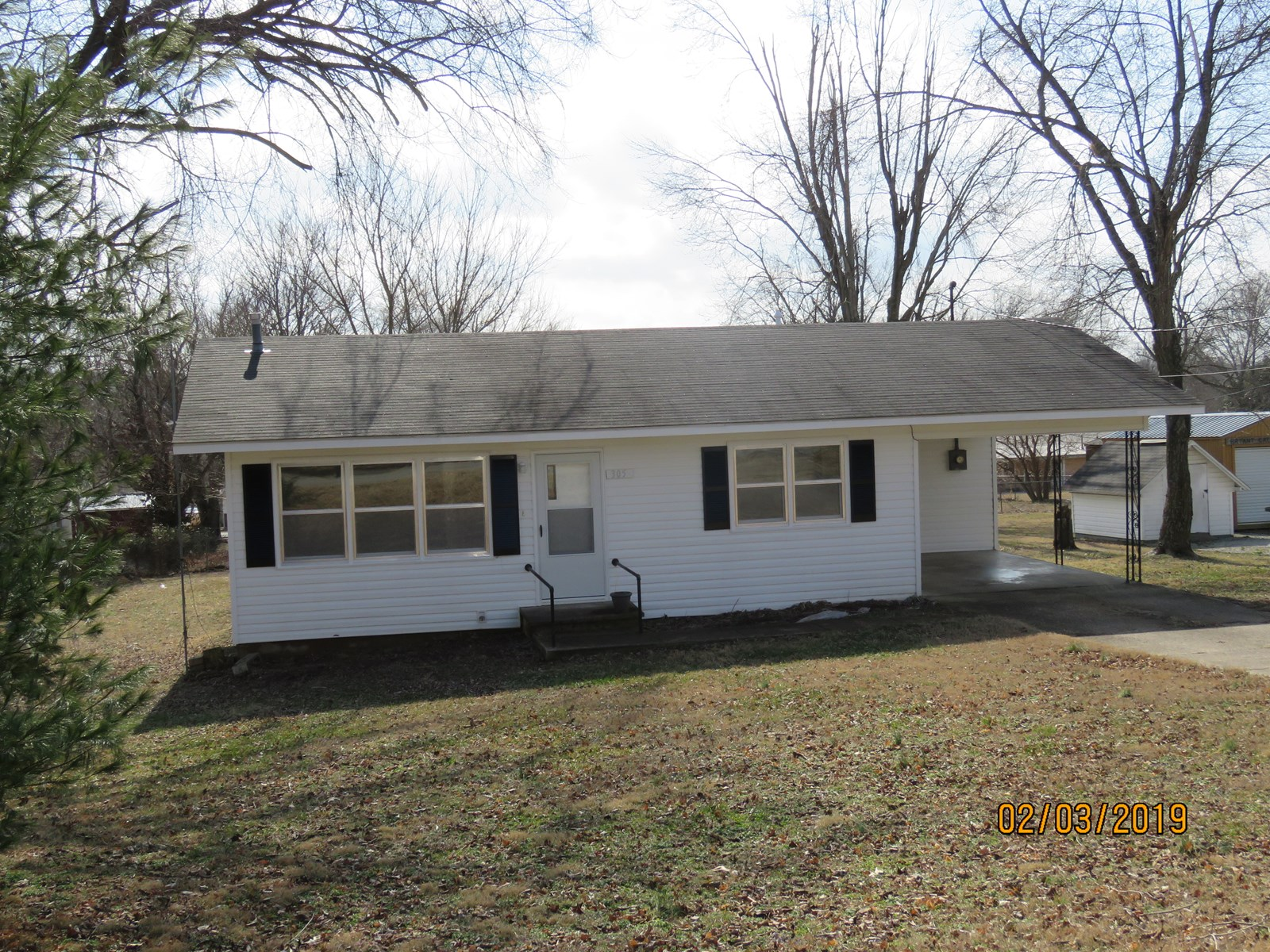 Move in ready house for sale in Ava, Mo