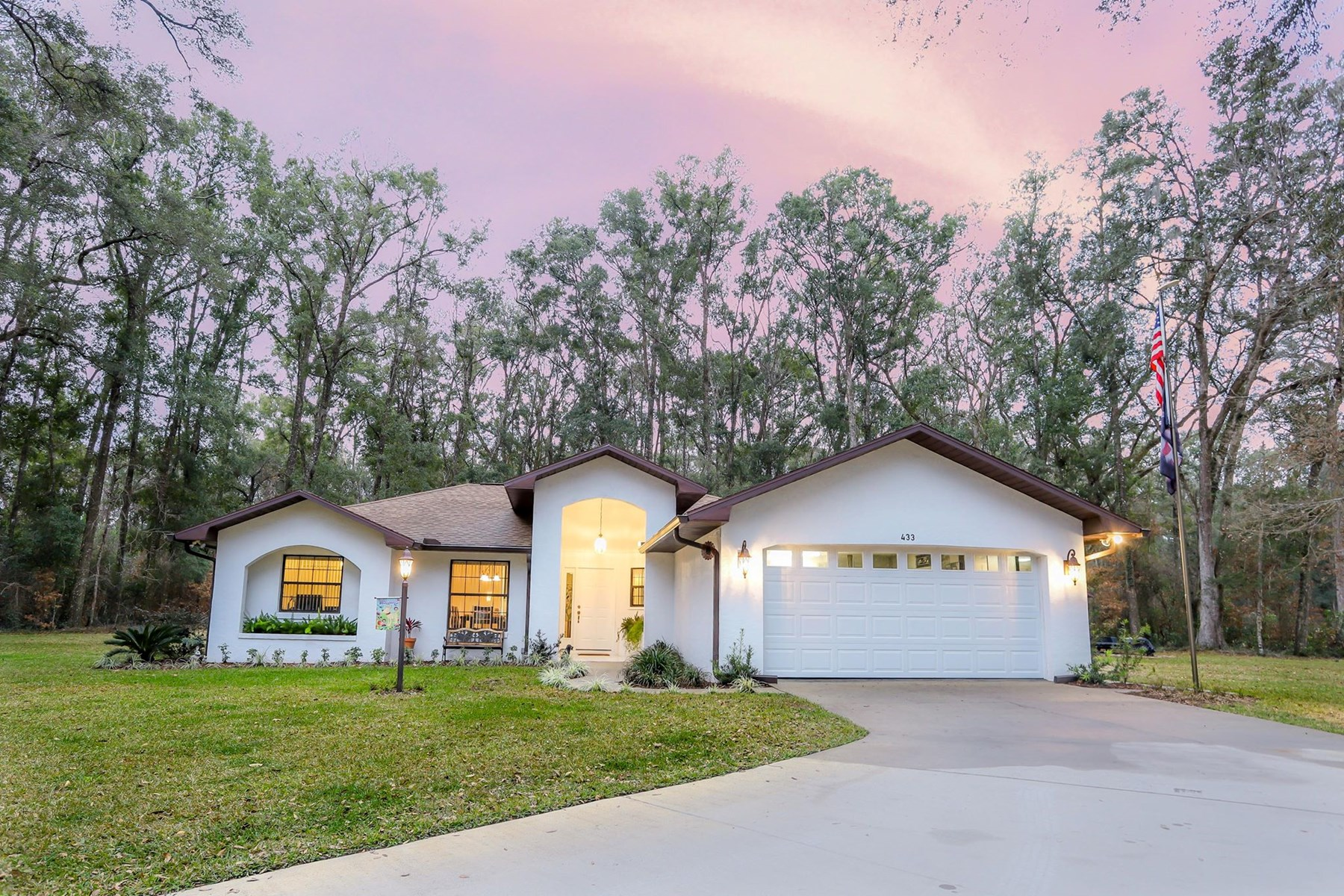 CUSTOM HOME FOR SALE IN OLD TOWN, FLORIDA - DIXIE COUNTY