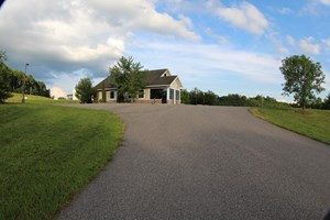 COMMERCIAL BUILDING FOR SALE  IN PATRICK COUNTY, VA