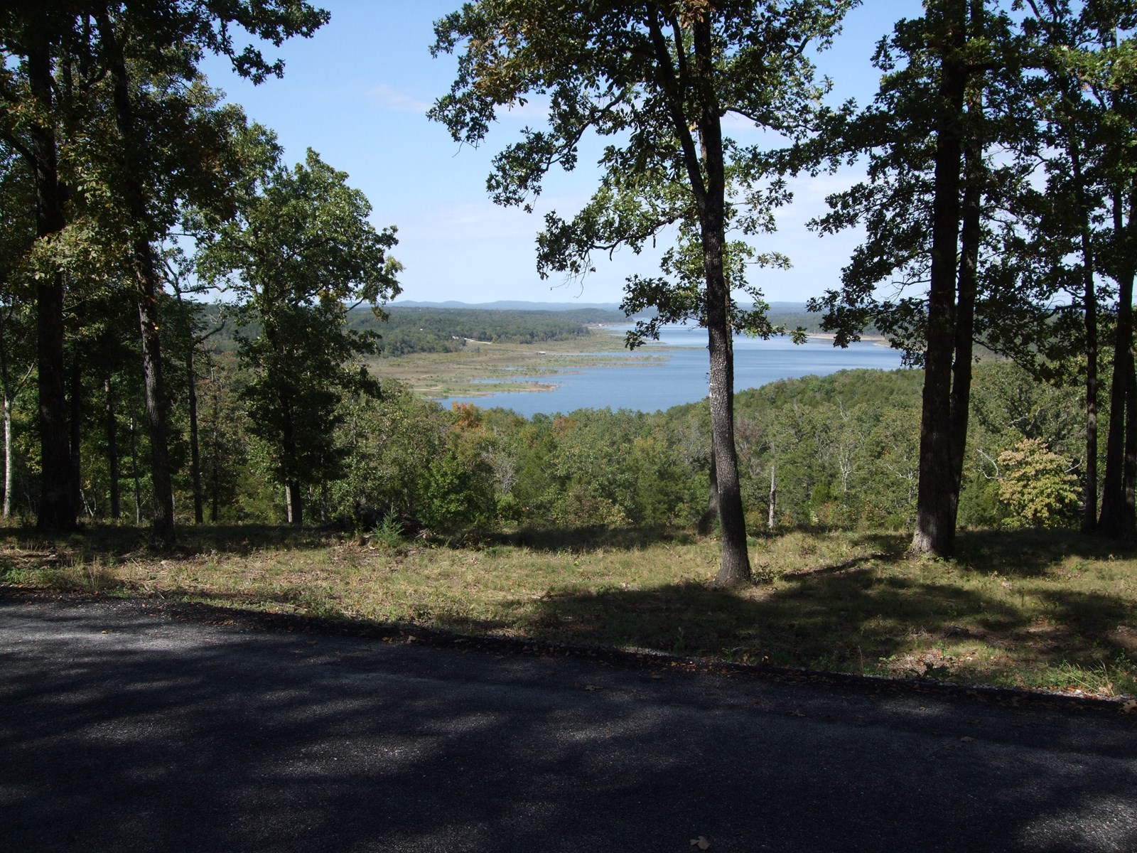 BEAUTIFUL LAKE VIEWS OF LAKE BULL SHOALS!