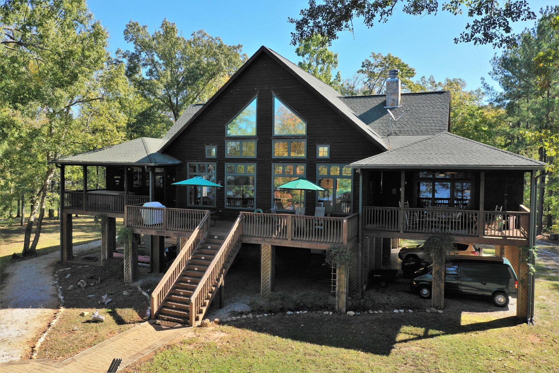 Waterfront Paradise on Lake Wateree in Ridgeway, SC