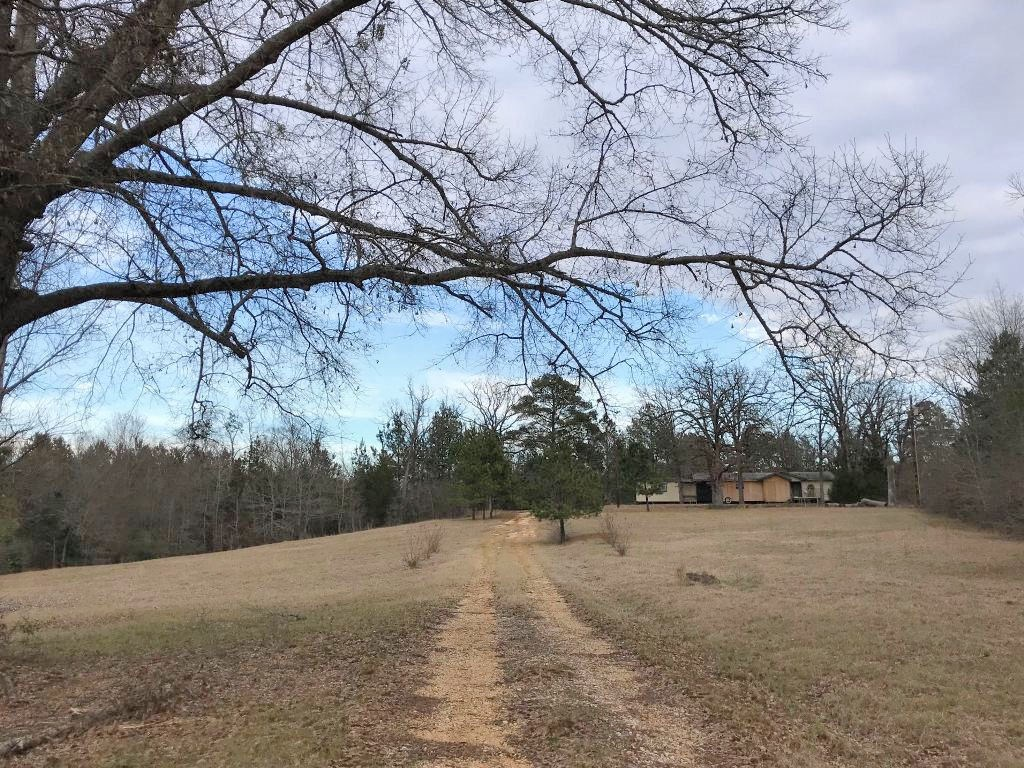 MANUFACTURED HOME ON 5 ACRES