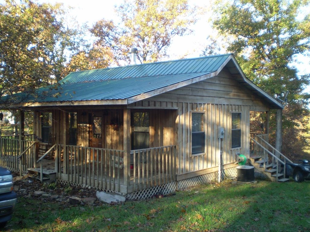 OZARK STYLE CABIN FOR SALE NEAR MOUNTAIN VIEW