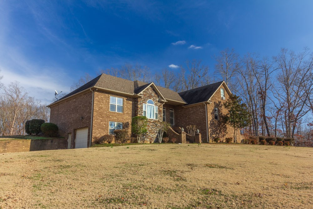 Beautiful Custom Brick Home in Oxford Creek, Selmer, TN