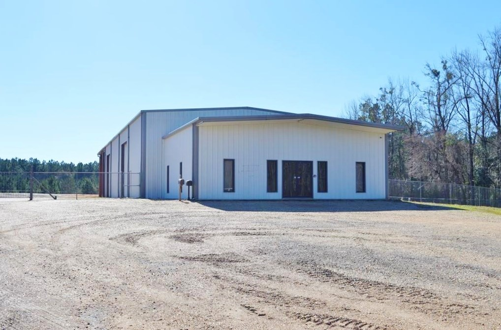 For Lease Only! 6200 SF Commercial Building Hwy 98 Summit MS