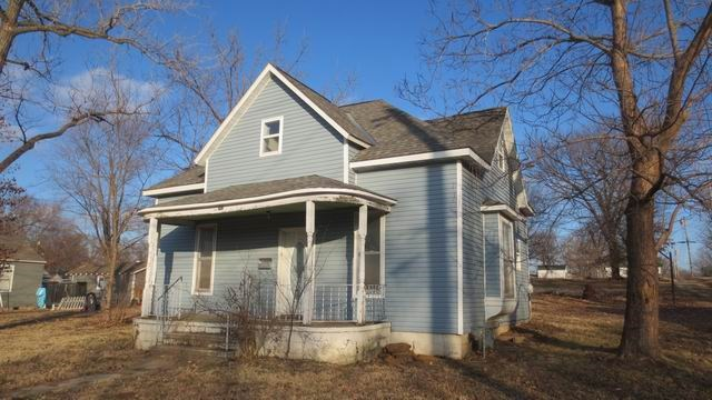 Fixer-Upper Bargain in El Dorado Springs