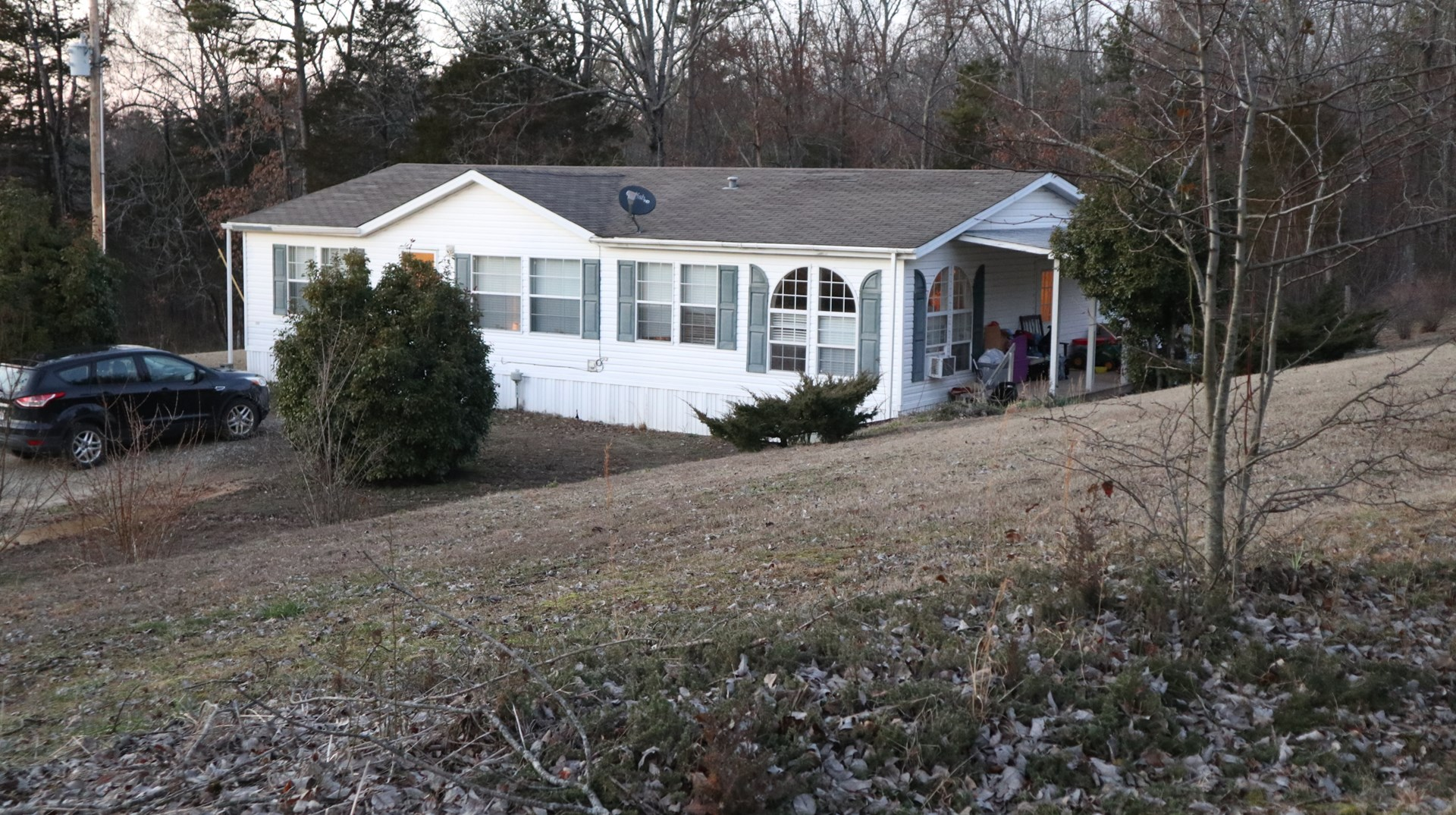 COUNTRY HOME IN THE FOOTHILLS OF THE OZARKS FOR SALE