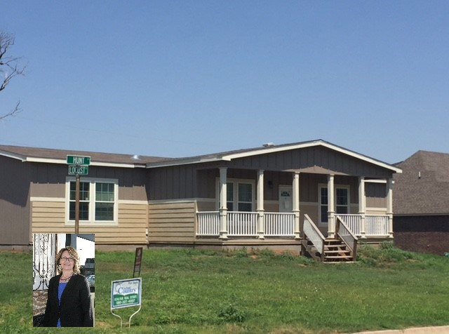 Champion Redmond Home on a Corner Lot Alva OK