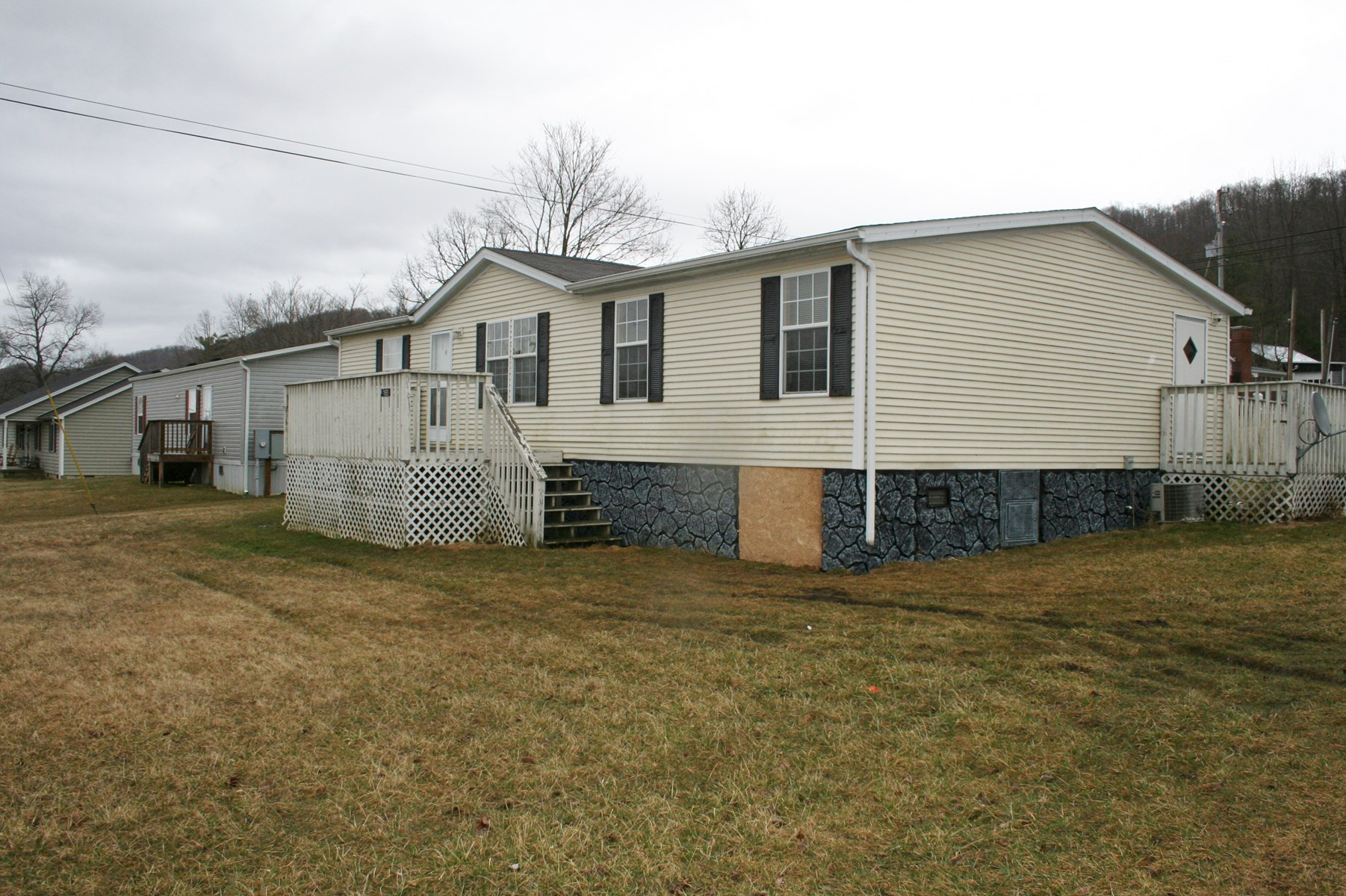 Double wide home on 0.767 acre near Monterey VA 90K