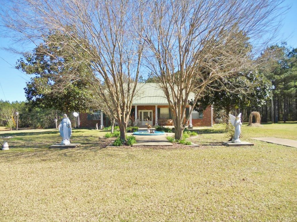3 Bed/1 Bath Home + 1 Bed/2 Bath Guest House 42 Acres SW MS