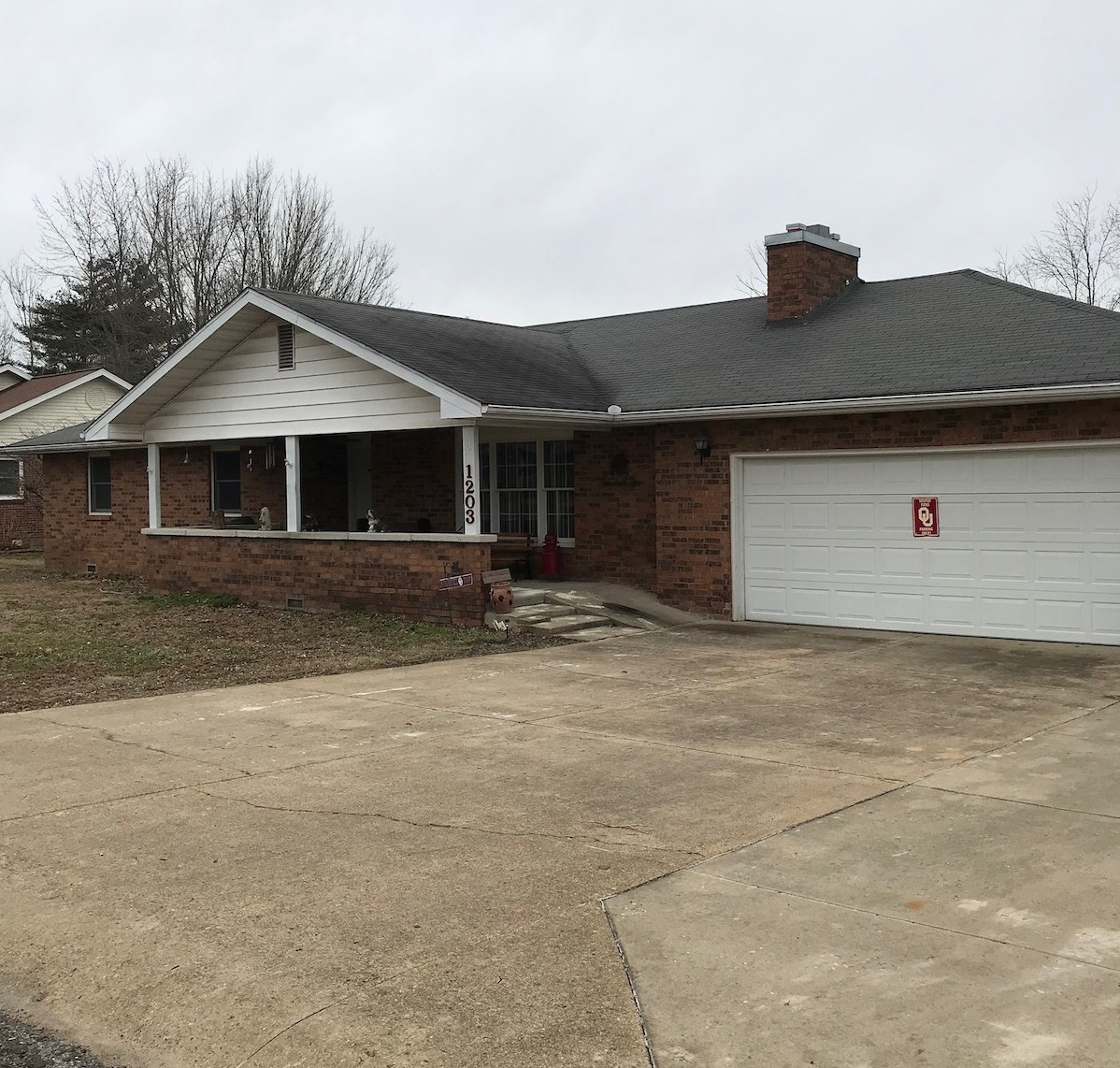 Brick Home in Town for Sale - Mountain Grove, Missouri