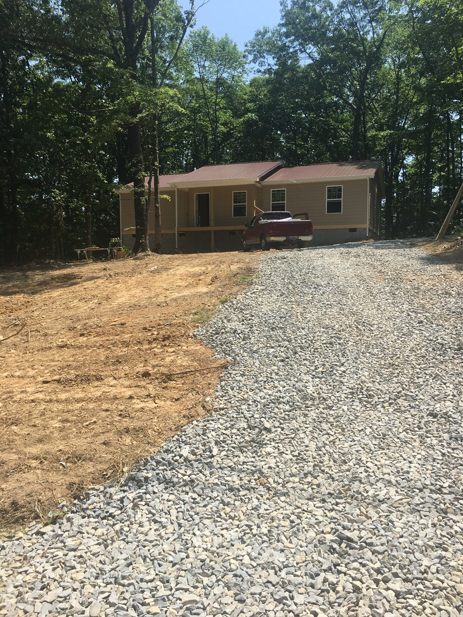 NEW CONSTRUCTION IN LYLES, TN!