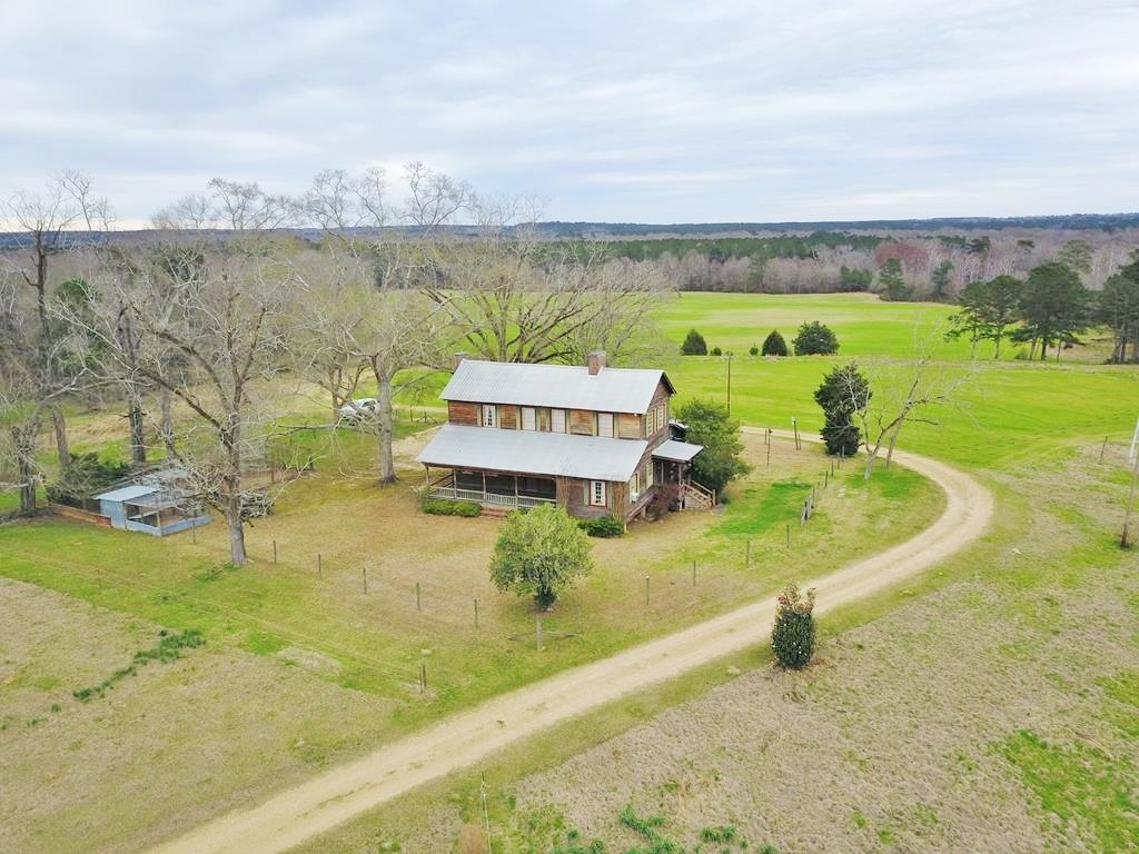 4 Bed/3 Bath Lodge, River Frontage, Near LA, Pike County, MS