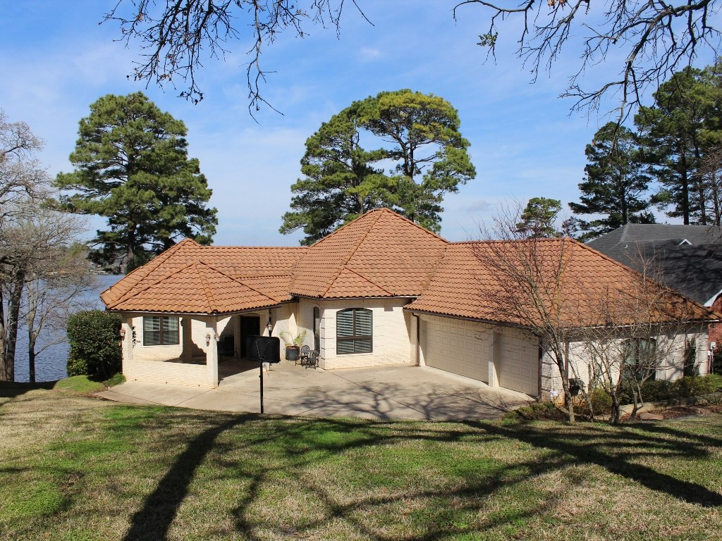 LAKE PALESTINE WATERFRONT HOME FOR SALE WITH POOL   EAST TX