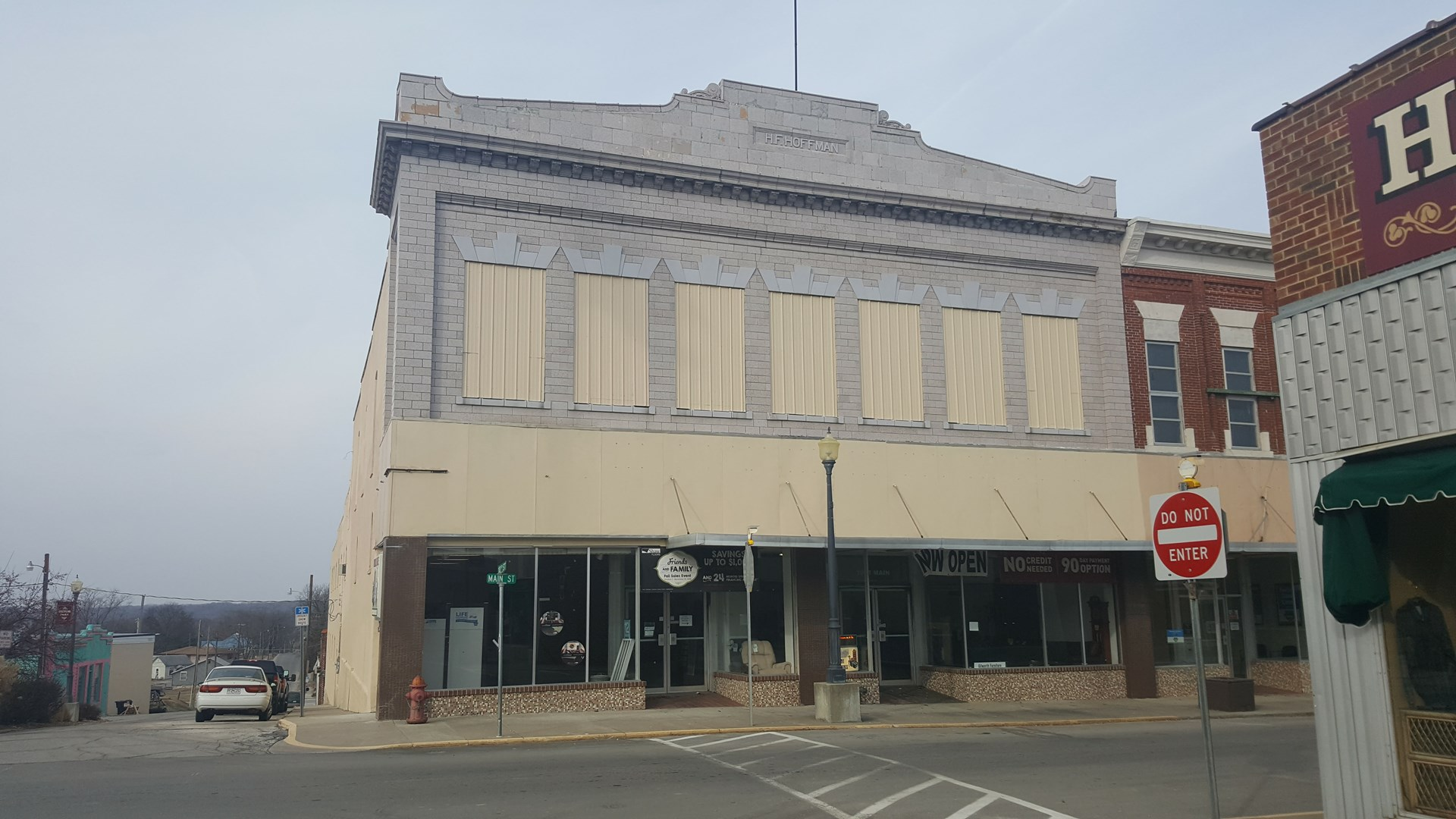 Historic commercial building for sale in downtown Trenton MO