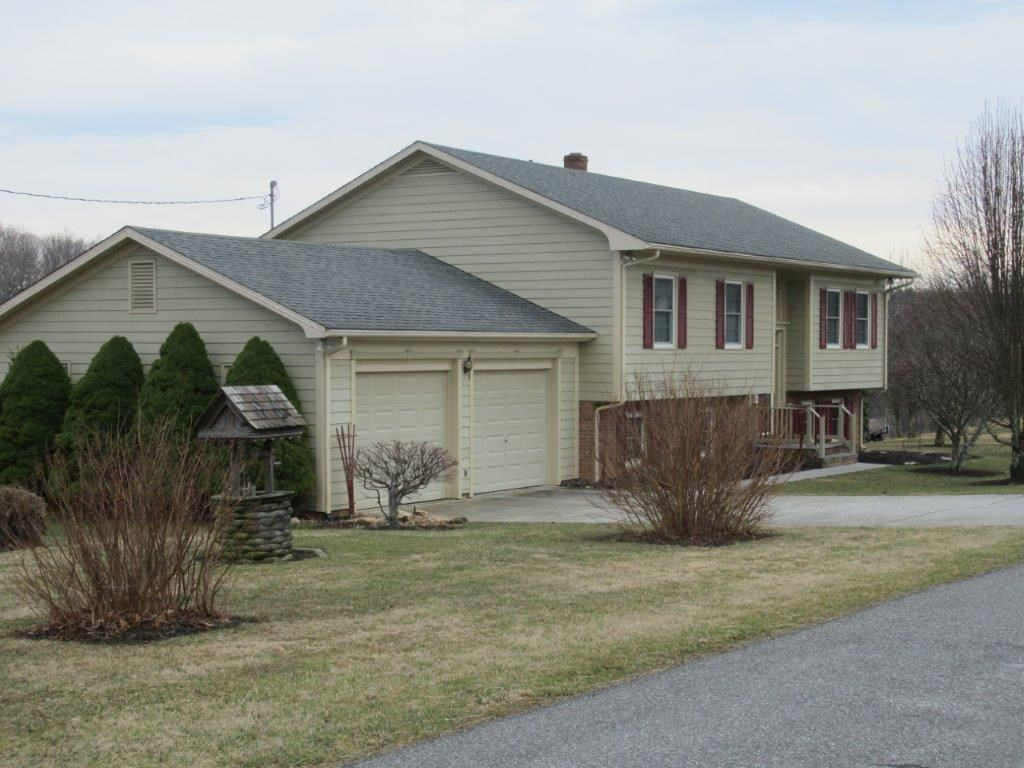 Floyd VA Home & Acreage for Sale