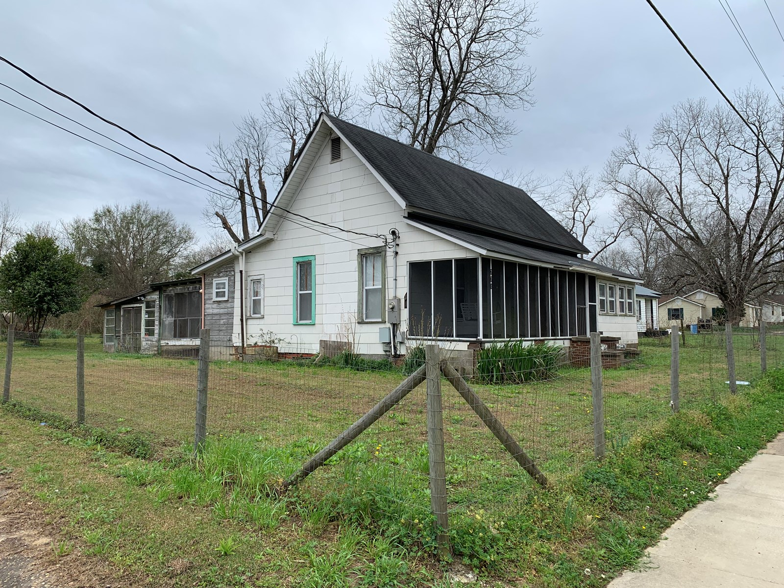 2B/2B OLDER HOME FOR SALE IN SLOCOMB, ALABAMA