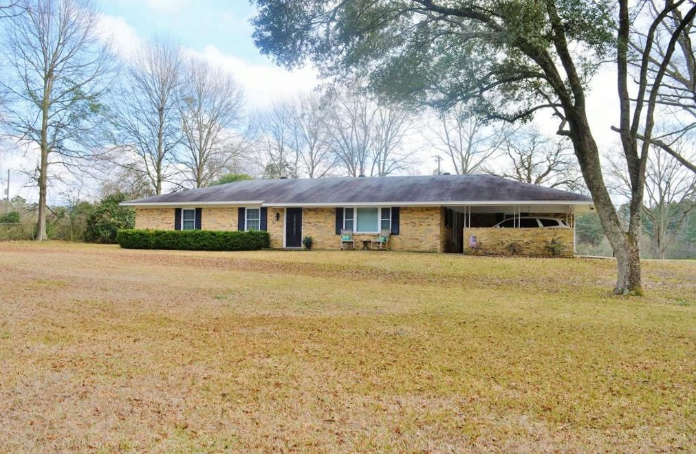 3 Bed/2 Bath Home for Sale, Workshop, Barn, Land, McComb, MS