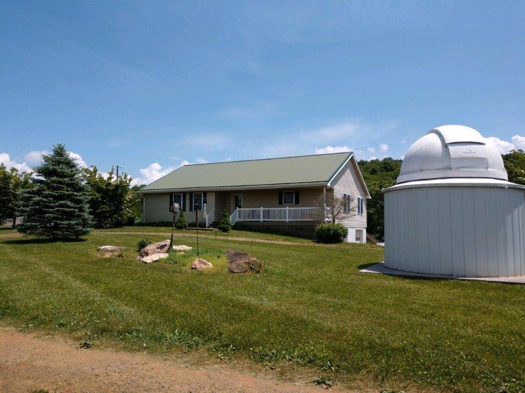 Country Home & Acreage for Sale in Floyd VA
