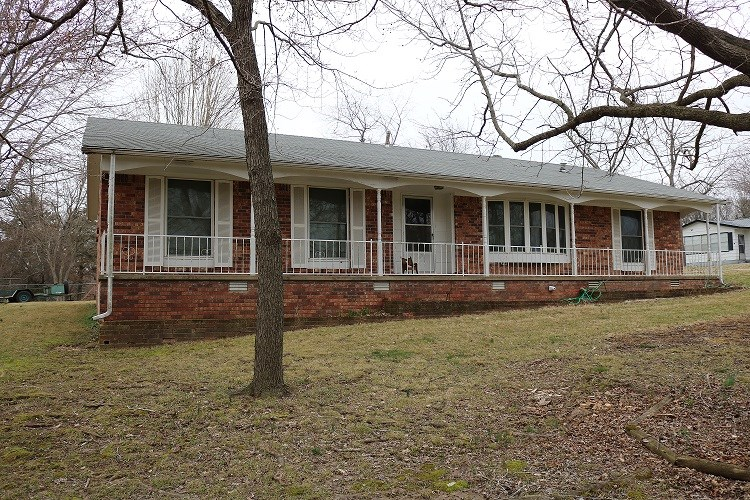 HOME FOR SALE IN ASH FLAT, AR