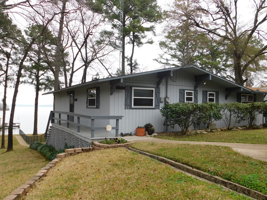 LAKEHOUSE FOR SALE FRANKSTON TEXAS EAST TEXAS LAKE PALESTINE