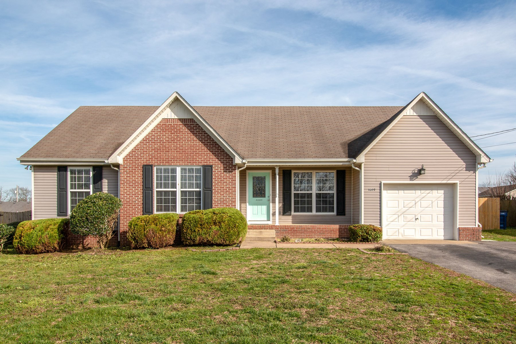 Columbia Tennessee Maury County Home in Town For Sale