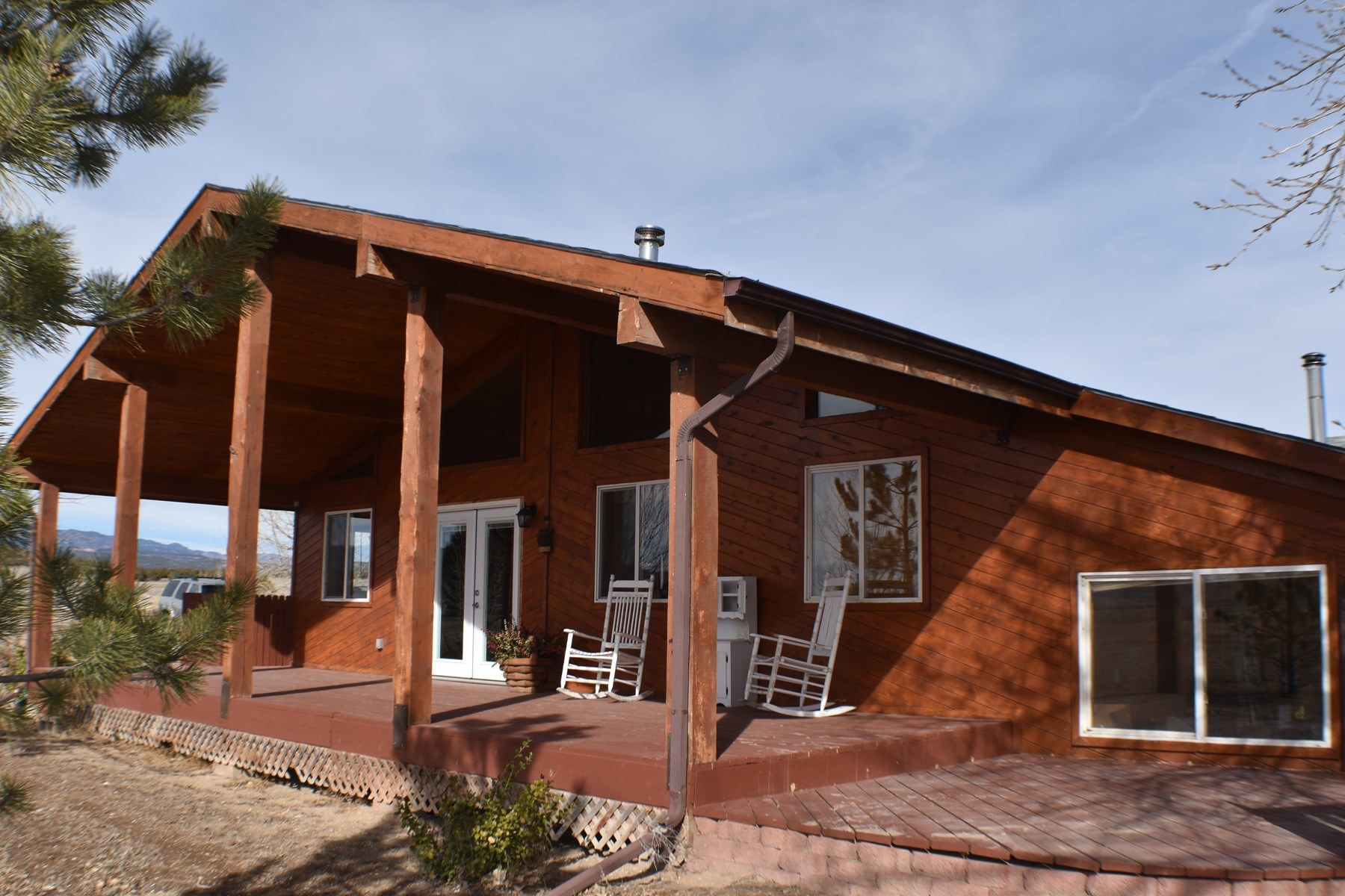 House with Land for Sale in Penrose, 30 min to Colo Springs