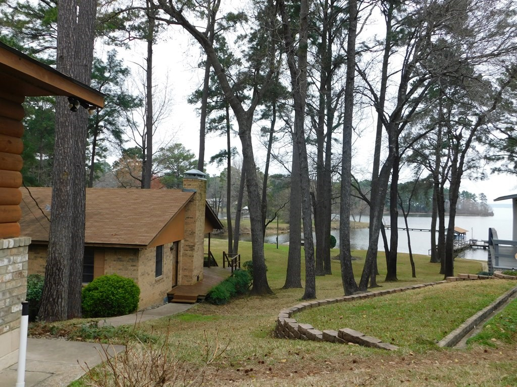 WATERFRONT HOME FOR SALE LAKE PALESTINE EAST TEXAS COUNTRY