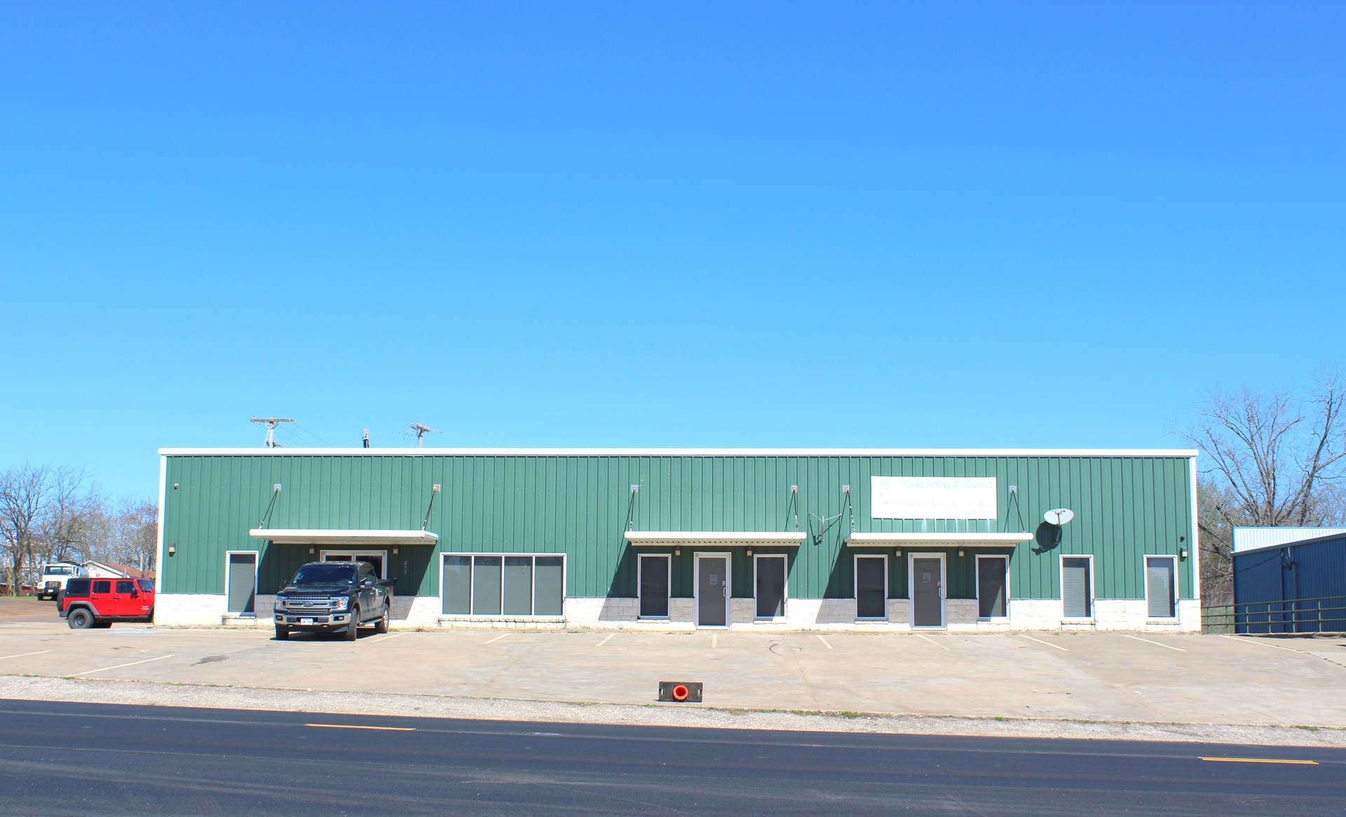 Real Estate Auction Commercial Office Building Tatum, TX