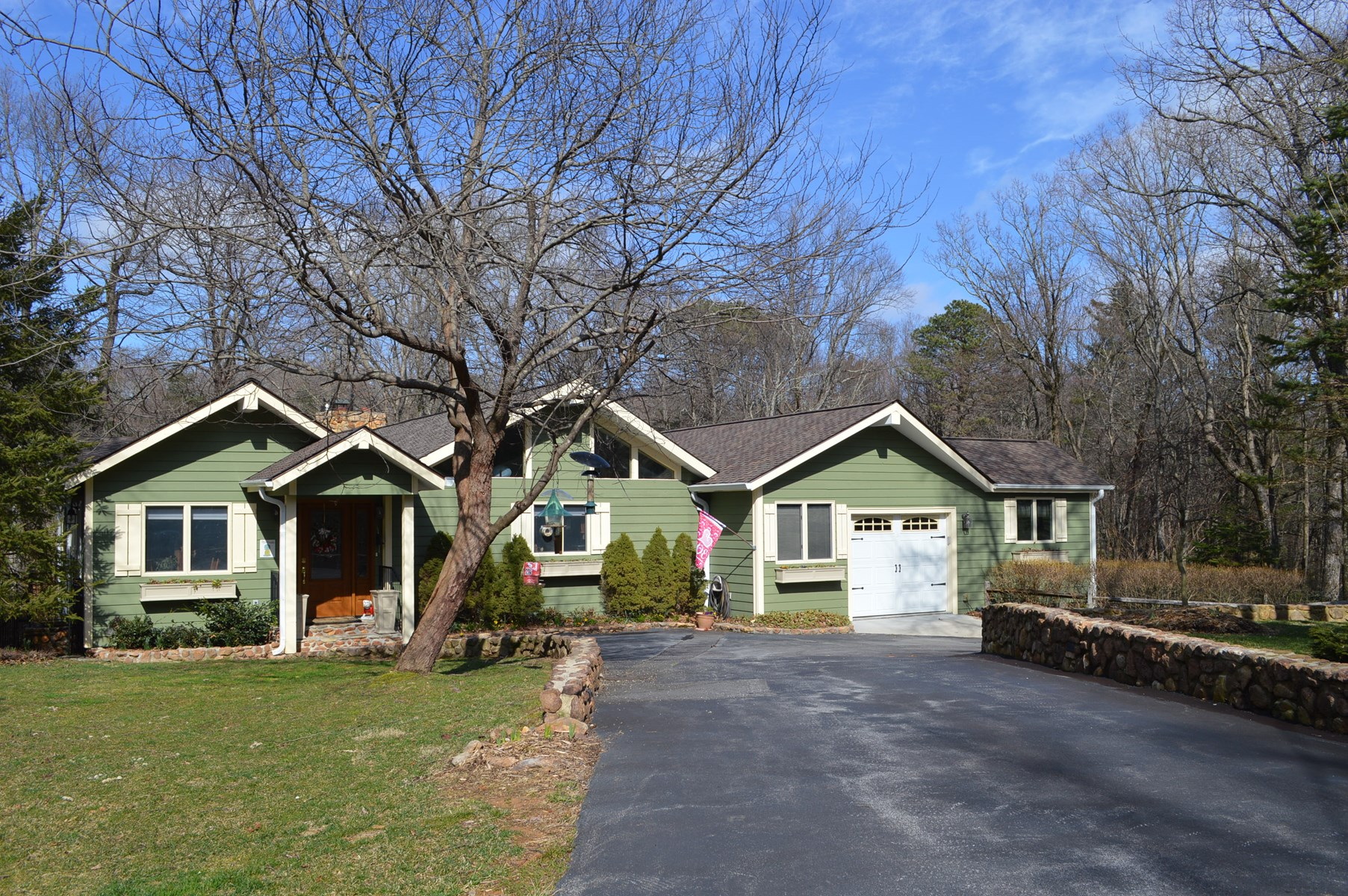 Beautiful Golf Course Home for Sale in Roaring Gap NC