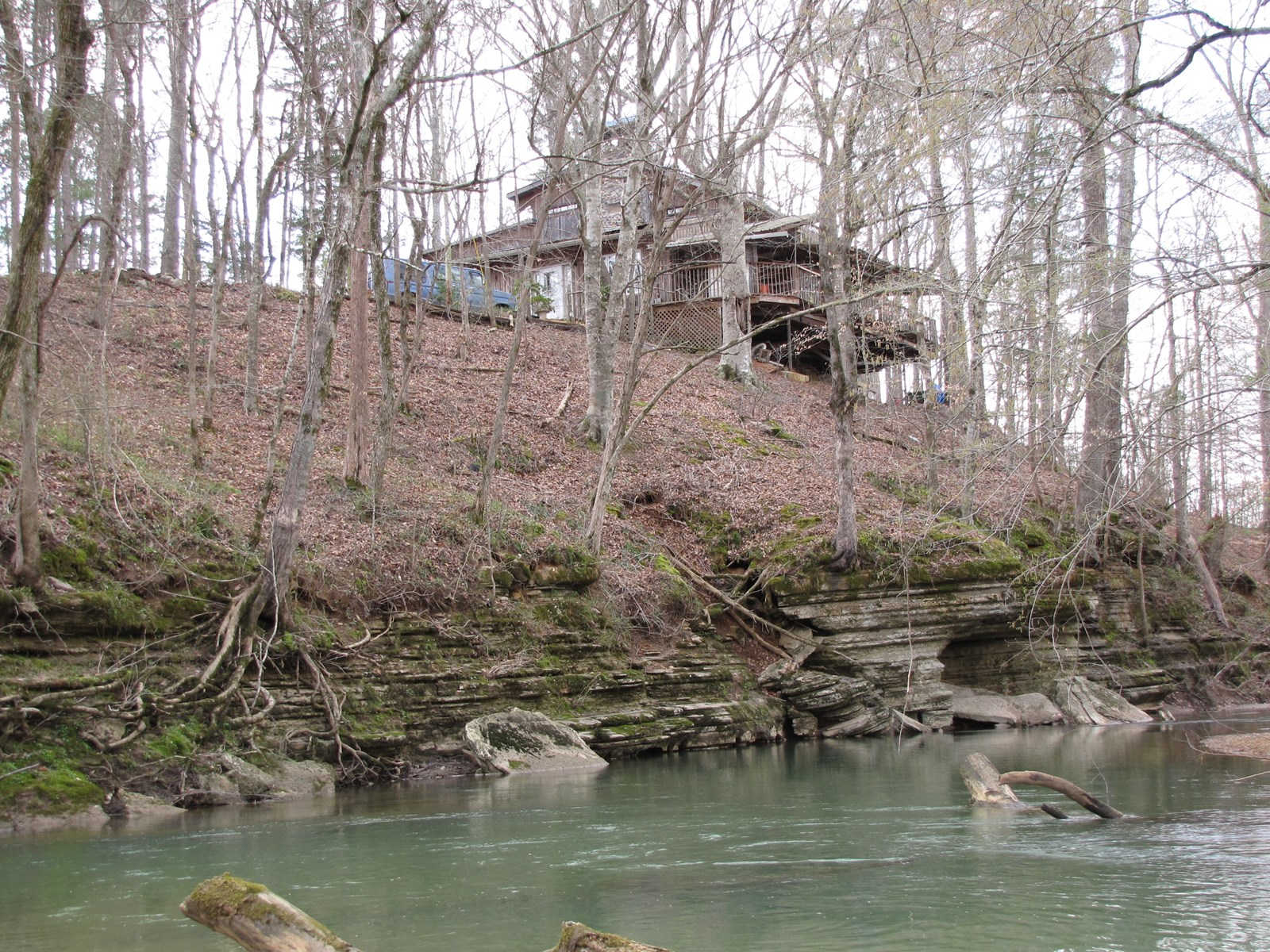 CABIN / LODGE HOME FOR SALE IN TN, NO RESTRICTIONS, PRIVATE