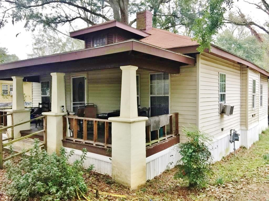 3 Bed/2 Bath Home, Large Lot in Town for Sale, McComb, MS