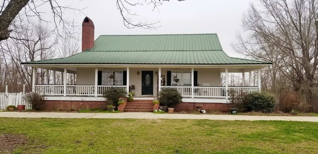 HOME IN TALLULAH LA FOR SALE CLOSE TO TENSAS WILDLIFE REFUGE