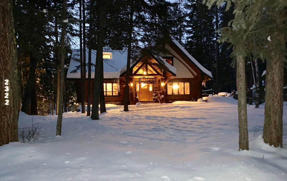 LOG HOME WHITEFISH, MONTANA, FOR SALE