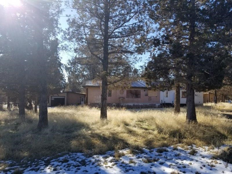 Fixer Upper Manufactured Home w/2-Car Garage on 2.94 Acres