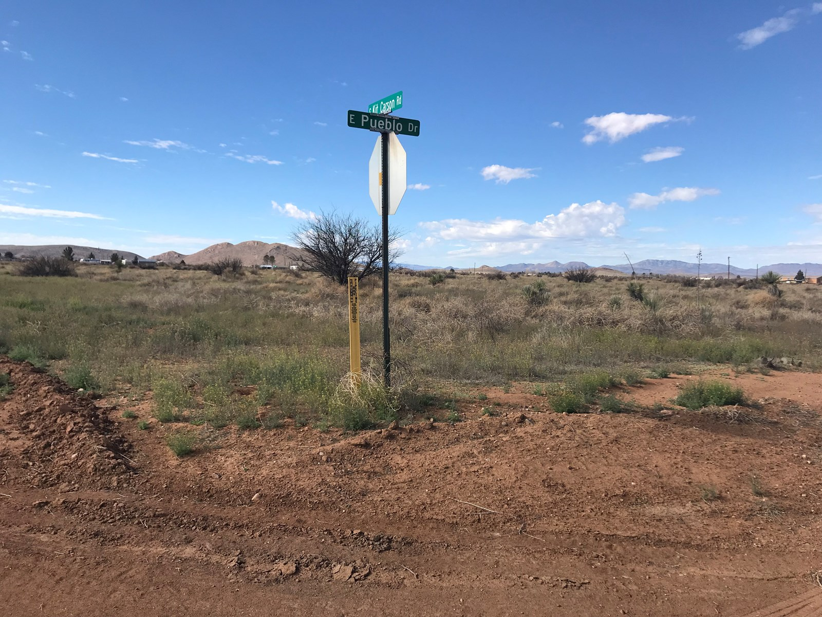 Scenic corner lot 1.46 acres in Pearce, AZ